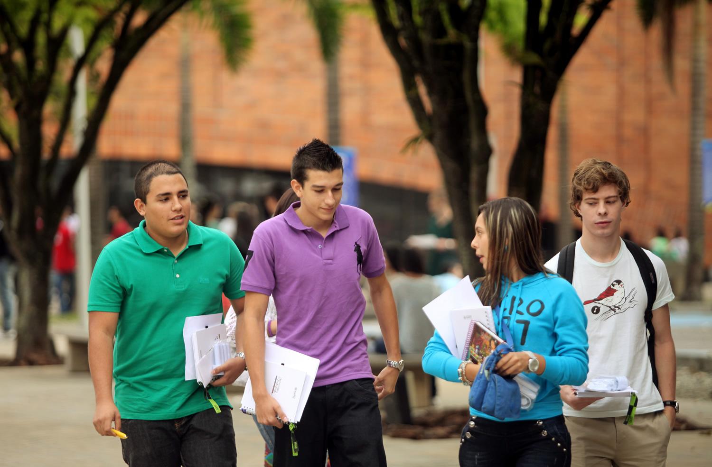 Papelería Modelo Regala Miles de Fotocopias a Universitarios